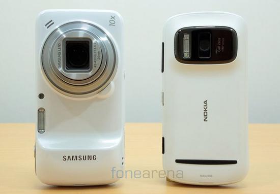 ▲ 三星 Galaxy S4 Zoom 与诺基亚 808。 图片来自:Fonearena