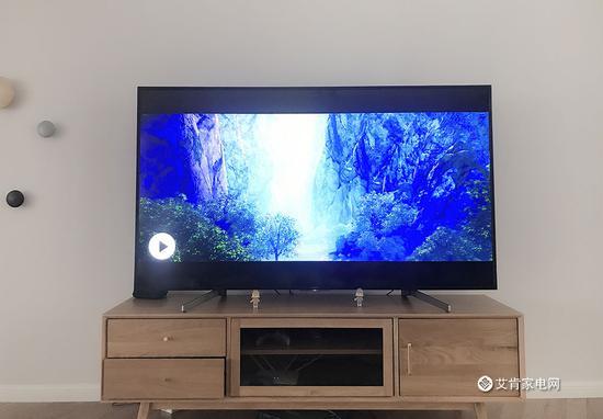 图:用户新房家中的75吋索尼4K电视75-X8000G
