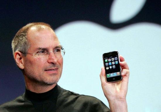 乔布斯发布第一代iPhone