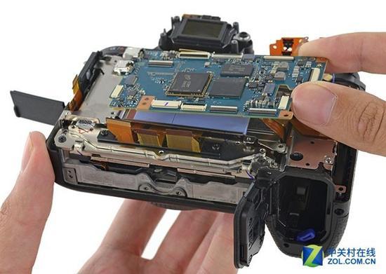 相机是非常紧凑而精密的设备,想要把某些部件整合为单独模块,难度很高