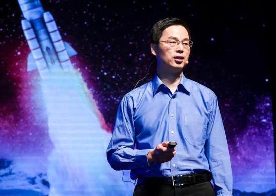 演讲嘉宾彭兢:《设定一个小目标,去月球》