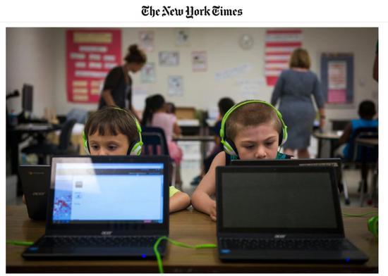 ↑小朋友使用Chromebook打游戏