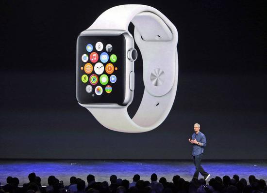 (2014 年,初代 Apple Watch 亮相)