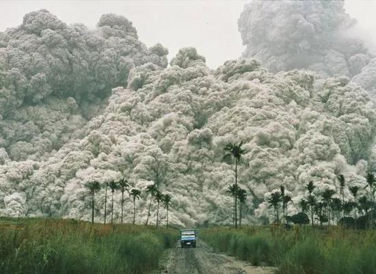 皮纳图博火山喷发