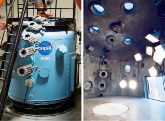 NASA阿蒙森空間中心的撞擊模擬實驗室(Ames Vertical Gun Range,簡稱AVGR)就是著名的撞擊模擬實驗室之一。在這樣的實驗室里,我們可以用不同尺寸和材質小球來模擬撞擊物,撞擊速度、角度,被撞表面的重力、材質也可以模擬。   來源:NASA