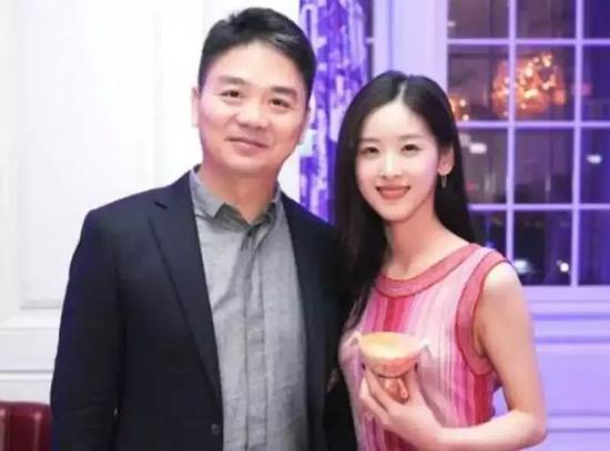 图:刘强东和章泽天