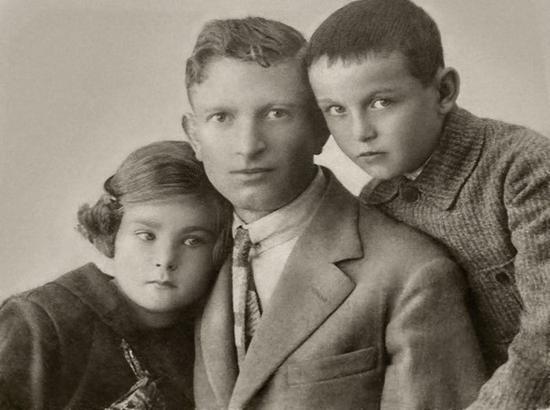 一张二十世纪初时的家庭照片