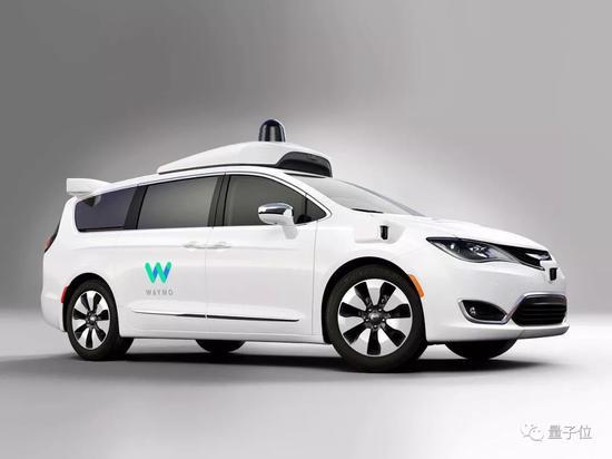 这是Waymo的第一起自动驾驶车致人受伤的车祸。