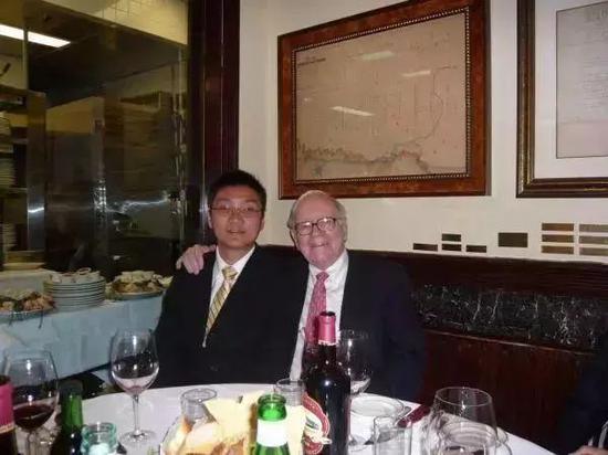 黄峥和Warren Buffettt