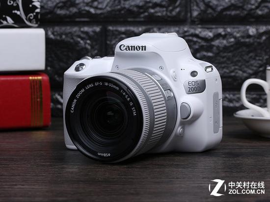 佳能EOS 200D单反相机(配18-55mm镜头)