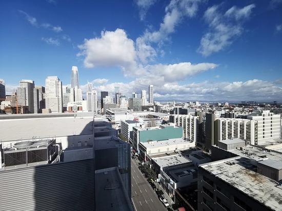 ▲ 超广角相机下的旧金山市区(拍摄设备华为 Mate 20 Pro)