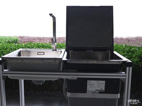 方太水槽洗碗机JBSD2T-Q8实拍,容量为8套