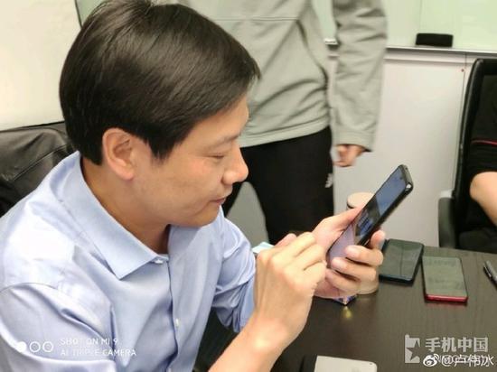 卢伟冰的微博图片(更换前)