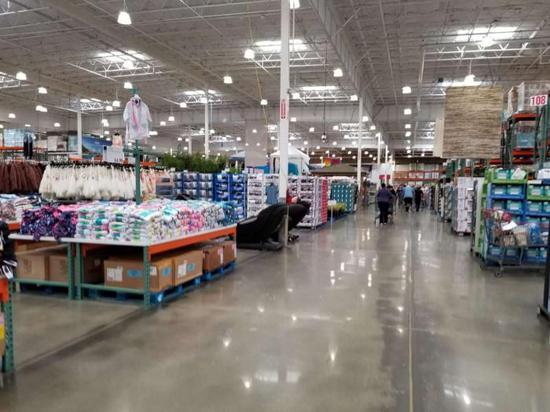 超市内货源还比较充足