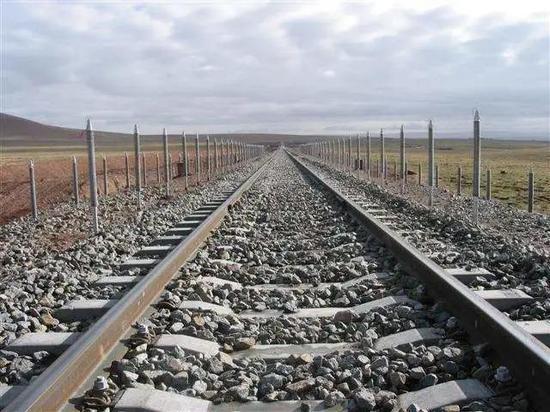 青藏铁路的炎管