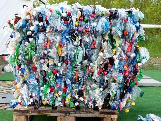 塑料瓶来源丨pixabay