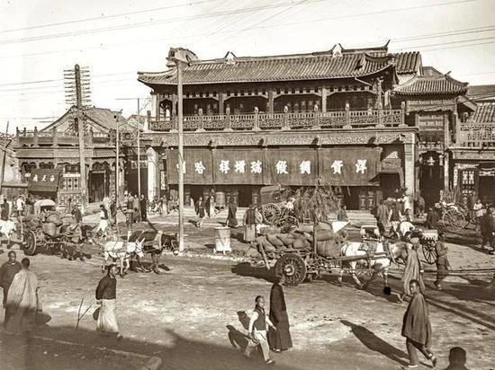 清末老北京城里能跑马的马路