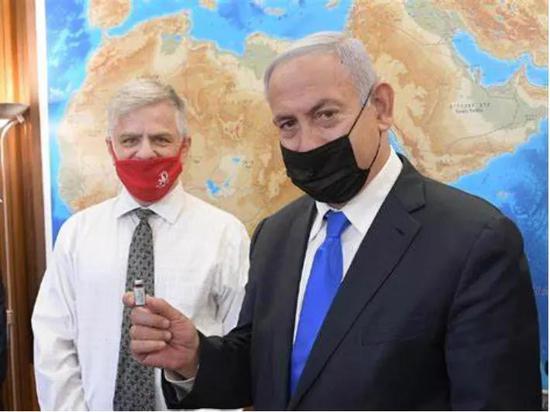 以色列总理内塔尼亚胡会见阿尔伯教授。图片来源:以色列外交部网站