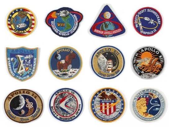 阿波罗方案的使命徽章。从左上至右下依次为阿波罗1号―17号。(图来历NASA)