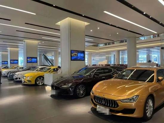 图:深圳的二手车市场