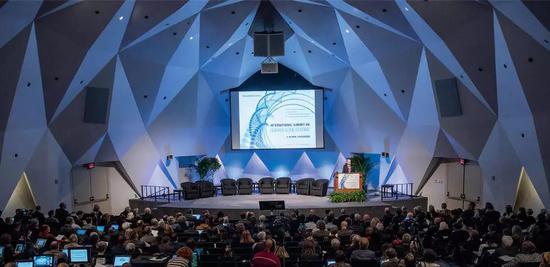 图丨第二届国际人类基因组编辑峰会(来源:麻省理工科技评论)