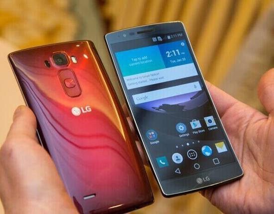 LG G Flex2的自动修复功能在当时颇为亮眼