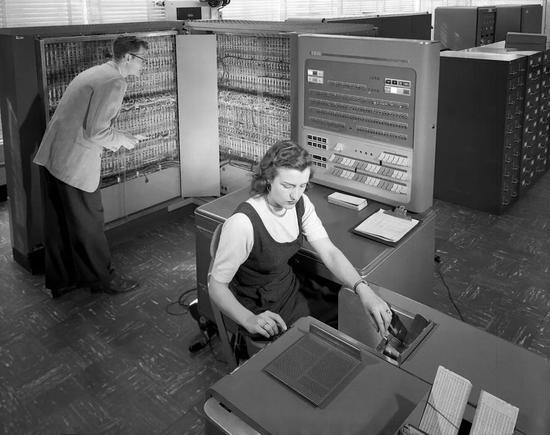 IBM704计算机
