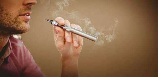 电子烟通常是笔状的。/图虫创意