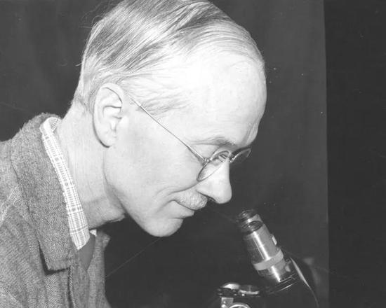 1980年诺贝尔奖得主-乔治·斯内尔教授 | 杰克森实验室官网