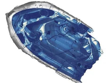 记录地球44亿年历史的锆石(矿物生长形成的环带保留了44亿年的年龄信息)