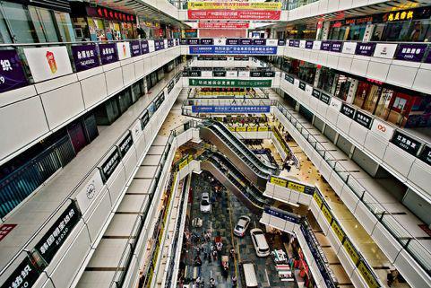 迷宫一样的广州国际轻纺城。