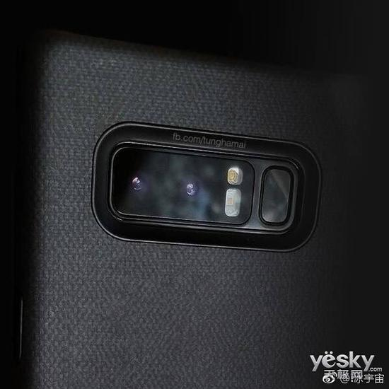 三星Note8真机背面部分曝光:双摄闪光灯一体