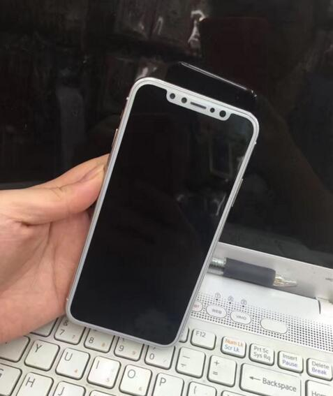 iPhone 8真机曝光:屏占比创新高 后置双摄加入AR技术
