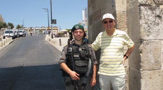 柳传志与以色列部长、神职人员对话 为解心中之谜