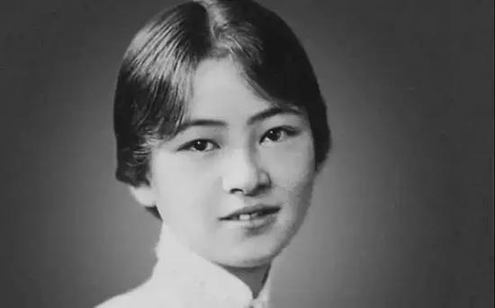 """凡世精灵,才情天纵,被胡适称为""""中国一代才女""""的林徽因同样因结核病而殒命……"""