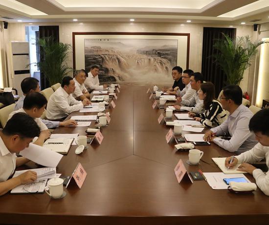 国务院国资委党委书记、主任郝鹏会见腾讯CEO马化腾