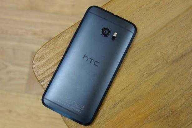 HTC 10进入内地初期,因名字和售价相同配置缩减受用户争论
