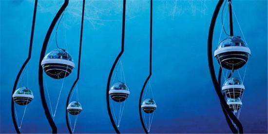 南极冰下的探测装配——冰立方。来源:JAMIE YANG AND SAVANNAH GUTHRIE/ICECUBE/NSF[22]