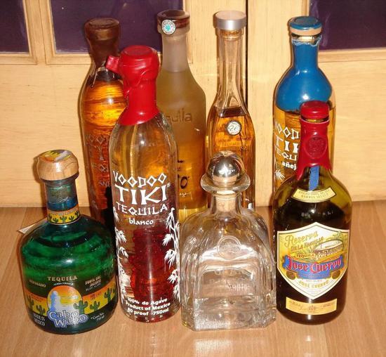 各栽龙舌兰酒(图片来源:Wikipedia)