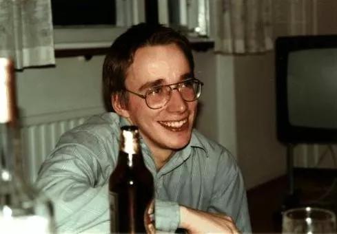 在后来的28年里, 华为和Linux有过不少交集。