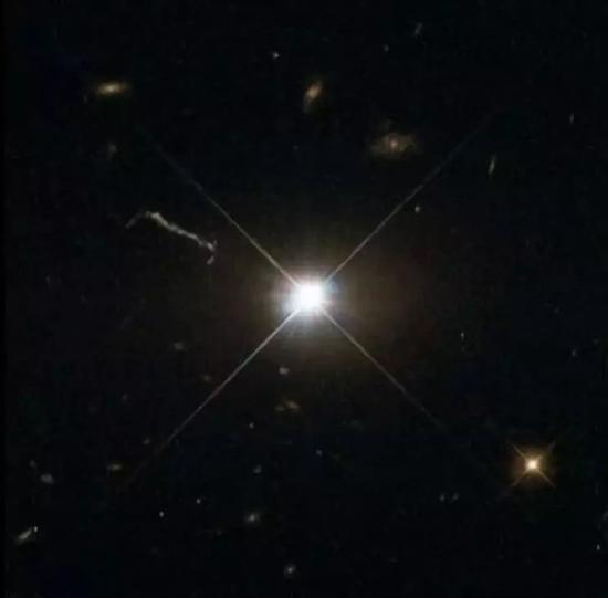 图片来源:ESA/Hubble & NASA