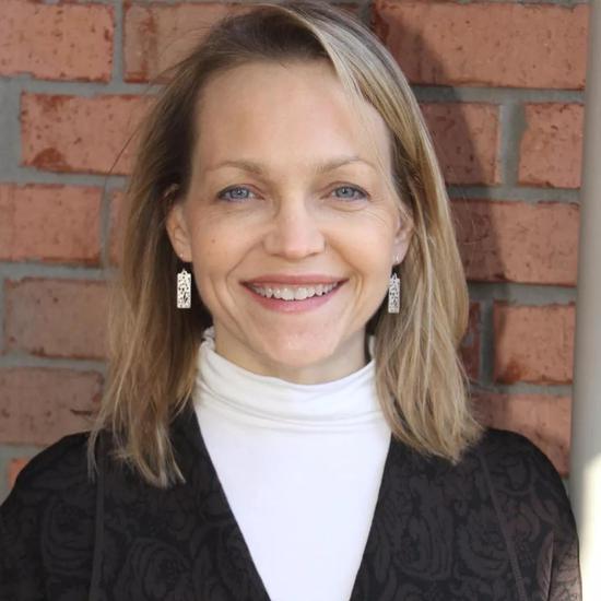 Marji McCullough博士