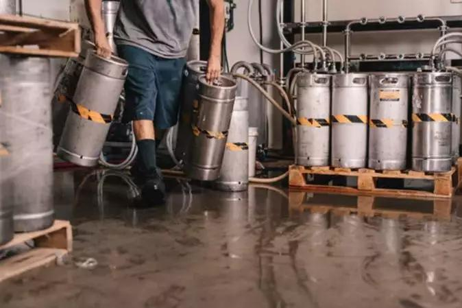 啤酒厂的一角。图片来源:Elevate,Unsplash