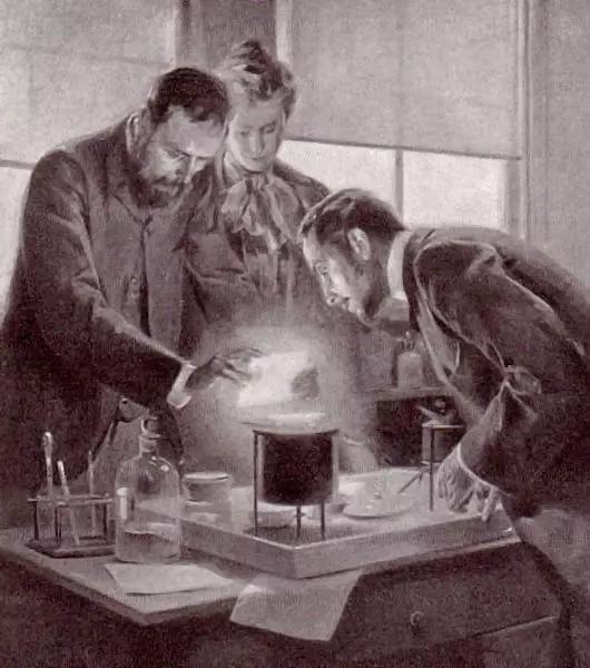 居里夫妇在实验室观察镭(图片来源:google)