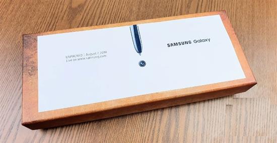 三星Galaxy Note 10邀請函開箱:這設計還是第一次見