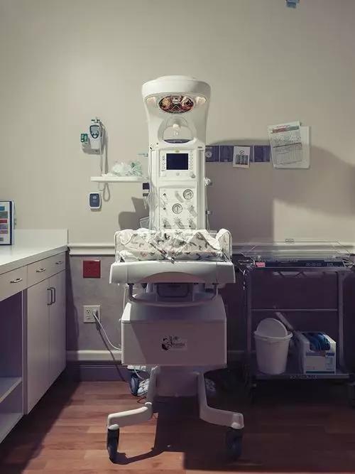 △新生儿辐射供暖装置