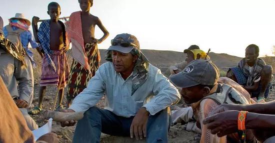约翰尼斯在Woranso-Mille区域发掘照片
