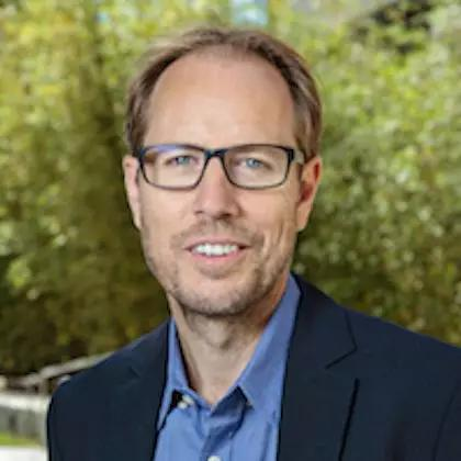 ▲斯坦福大学的TonyWyss-Coray教授致力于研究衰老相关疾病(图片来源:斯坦福大学官网)