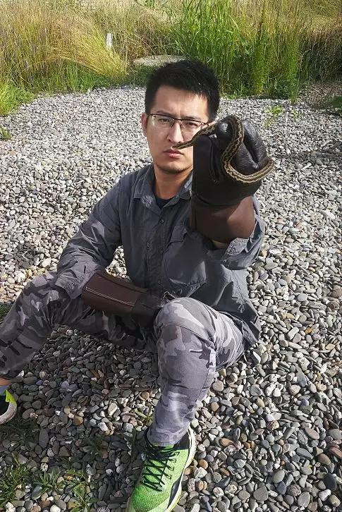 史静耸在四川甘肃青海发现的新种若尔盖蝮