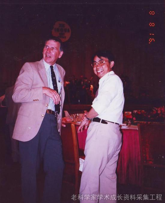 1991年,李吉均和Porter教授参加北京国际第四纪大会